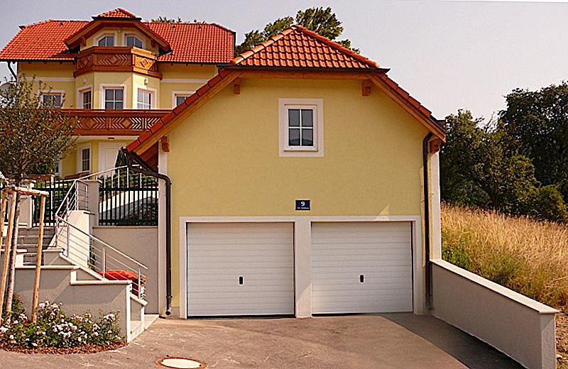 Referenzen kickinger haus baumeister kickinger for Haus mit garage